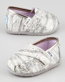 These would be cute even for an older young lady ;) @lynny1320 for the flower girl??