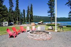 Shelter Cove Resort & Marina Odell Lake (Oregon) Offering free WiFi and a garden, Shelter Cove Resort & Marina is set in Odell Lake. Free private parking is available on site. Some units include a balcony and/or patio with mountain views.