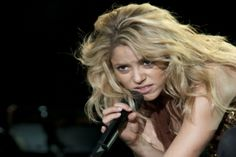 Shakira's workout and health tips: Get her curves and vitality!