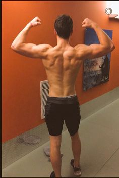 Them back muscles though