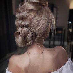 Alguien más fan de esta cresta-trenza-recogido de @tonyastylist ??? . . #peinado #peinados #hairstyle #trenza #bridalhair #peinado #recogido #novia #novias #invitadas #invitadaboda #invitadaperfecta #boda #bodas #wedding #weddingblog #weddingplanner #invitada #style #fashion #moda #peluqueria #bride #brides