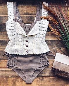 Fabulous Crochet a Little Black Crochet Dress Ideas. Georgeous Crochet a Little Black Crochet Dress Ideas. Bikini Crochet, Crochet Beach Dress, Crochet Summer Tops, Black Crochet Dress, Knit Crochet, Mode Du Bikini, Mode Crochet, Crochet Woman, Crochet Fashion