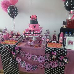 Minnie mouse sweet table / dessert table
