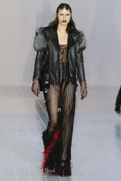 soo much love for Marc Jacobs at fashion week.. Hair, make-up, clothes, shoes...everything!