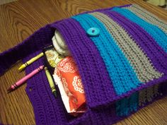 Crochet Purse..free pattern..at Stitch 11..lots of other great free patterns...love em