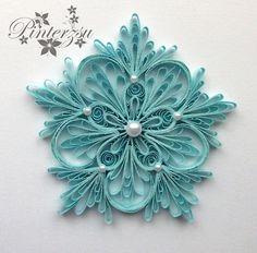 Blue snowflake by pinterzsu