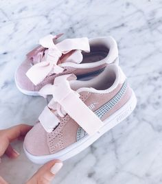 Cute Baby Shoes, Boy Shoes, Baby Girl Shoes, Cute Baby Clothes, My Baby Girl, Girls Shoes, Baby Girl Fashion, Kids Fashion, Baby Girl Closet