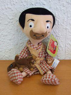 Peluche Mr. Bean, en pijama y con su osito Teddy