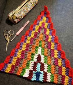 Back to my crochet 😉❤😊 bohemianblanket progressing sucrettesbohemianblanket inlove loveit happy colorful love colorfulblanket… Crochet Motifs, Crochet Stitches Patterns, Crochet Squares, Baby Knitting Patterns, Crochet Designs, Crochet Bracelet, Crochet Home, Yarn Crafts, Decor Crafts