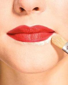 Es zwickt und spannt - und will nicht besser werden: Spröde Lippen sind nervige Begleiter. Wir erklären euch die Ursachen und zeigen, was dagegen hilft