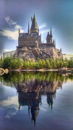 Hogwarts castle, Universal Studios Japan, Osaka  - to draw