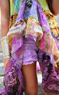 Bohemian fashion statement, modern hippie boho chic trends. For MORE gypsy allure FOLLOW: http://www.pinterest.com/happygolicky/the-best-boho-chic-fashion-bohemian-jewelry-gypsy-/