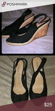 Seychelles Black and brown heels size 9.5 Worn less than 5 times. GREAT condition. Mark on sole from price sticker. Shoes Wedges