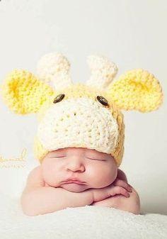 Baby giraffe hat | Crochet pattern