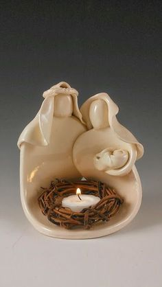 Nativity ~ now there's a nice nativity crèche all built in one . and a place for a candle too! Slab Pottery, Pottery Bowls, Ceramic Pottery, Pottery Ideas, Christmas Clay, Christmas Nativity Scene, Xmas, Clay Projects, Clay Crafts