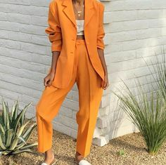 How To Wear The Newest Color Trend Of The Summer: Rustic Orange Rustic orange has become one of the hottest and most talked colors for this summer season. Here is how to wear the newest color trend of the summer! Style Outfits, Mode Outfits, Classy Outfits, Casual Outfits, Fashion Outfits, Fashion Tips, Fashion Trends, Womens Fashion, Blazer Fashion