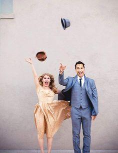 Chantez sous la pluie !Film musical de 1952, Singin' in the Rain ou Chantons sous la pluie connaît un succès modeste à sa première diffusion. C'est seulement au fil des années qu'il devient un monument cinématographique. On n'hésite pas à s'en inspirer pour un mariage pluvieux en introduisant les parapluies.