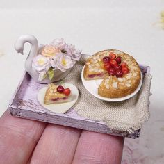 Happy new year be safe! This and some other pieces should be up in my shop tomorrow (Tuesday if I'm late). Www.sugarcharmshop.dk #polymerclay #food #miniaturefood #fakefood #dollhouse #dollhouseminiatures #miniatureart #sugarcharmshop #art #artist #fimo #sculpture #mini #cake #baking #flowers #roses #dollstagram #doll