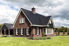 Annex Ideas, House Goals, Bungalow, Beautiful Homes, Sweet Home, Villa, Farmhouse, Exterior, Cabin