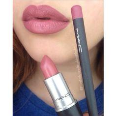 "delineador de lábios na cor ""Soar"" e batom ""Brave"",ambos da Mac ______________ Lips just like Kylie Jenner's : lip liner in ""Soar"" and ""Brave"" lipstick by Mac @fortheloveofmakeupbaby"