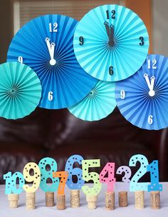 New years eve clocks... i want one!!!