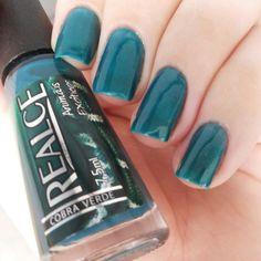 Cobra Verde - Realce Polish. Green nails. Nail art. Nail design. Instagram photo by @morganapzk