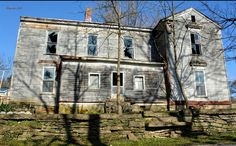 Abandoned Places, Farmhouse, Houses, Memories, Mansions, House Styles, Beautiful, Decor, Homes