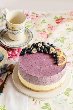Tarta mousse de limón y arándanos, Jello Recipes, Cake Recipes, Dessert Recipes, No Bake Desserts, Just Desserts, Food Cakes, Cupcake Cakes, Yummy Things To Bake, Cooking Cake