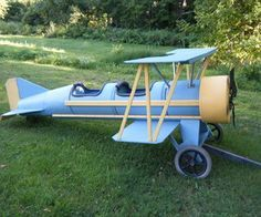 Cardboard barrel biplane. The Flyin' Lion I'm never ever ever going to be able to make this, but wouldn't it be fantastic to.....