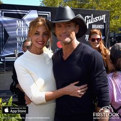 Faith Hill And Tim McGraw at the Nashville Music City Walk Of Fame Induction Ceremony at Nashville Music City Walk of Fame on October 2016 in Nashville, Tennessee. Get premium, high resolution news photos at Getty Images Country Love Songs, Country Music Stars, Country Music Singers, Country Artists, Country Concerts, Tim Mcgraw Family, 20 Wedding Anniversary, 20th Anniversary, Tim And Faith