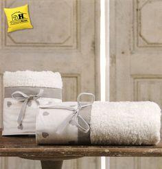 Coppia di asciugamani Cuoricino Collection in stile shabby chic