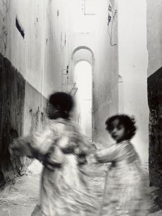 View Running Children, Morocco, Rabat by Irving Penn on artnet. Browse upcoming and past auction lots by Irving Penn. Photography Projects, Artistic Photography, Vintage Photography, Fine Art Photography, Street Photography, Travel Photography, Irving Penn, Art Institute Of Chicago, Magnum Photos