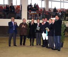 Weekly 271 - Bursa Kapalı Manej Kış Ligi Engel Atlama Yarışmaları'nda Sinpaş GYO Bursa Modern Kupası Sahiplerini Buldu  http://weekly.com.tr/?p=14656