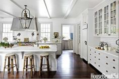White Kitchen Cabinets with Stainless Appliances New 8 Gorgeous Kitchen Trends that Will Be Huge In 2018 Photos Bakery Kitchen, Home, Home Kitchens, Kitchen Remodel, Kitchen Design, White Kitchen Design, Gorgeous Kitchens, Kitchen Trends, Kitchen Interior