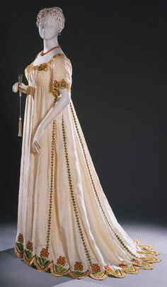 Dress 1805-1810 The Philadelphia Museum of Art Similar to one worn in Queen of Spades