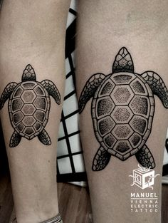 Leg Turtle Dotwork Tattoo by Vienna Electric Tattoo