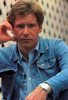 Super young Harrison Ford rockin' the jean jacket and rolex Harrison Ford Young, Harrison Ford Indiana Jones, Harison Ford, Rolex, Chris Miller, Han And Leia, Star Wars Film, Carrie Fisher, Mens Clothing Styles
