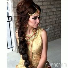 Beautiful bridal outfit and jewelry @noorbollywoodfasion @virk.virk2 #indianwedding #bridaloutfit #indianbridaljewelry #longbride #voluminushair #headpiece #loosecurls #hairextensions #dramaticmakeup #smokeyeyes #lashes #blush #conturing #highlighting #nudelips #royalook #pakistanibride #bramptonmua #torontohairstylist #torontomakeupartist #maccosmetics #motivescosmetics #makeupforever #glam #gliter #lovethislook #golddress # via @angela4design by harpreet.khattra