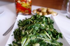 Radika, bir İzmir mezesi, salatasıdır. Zeytinyağlı yemekler
