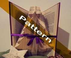 Pattern to fold a Christmas tree into a book by Bookfolding