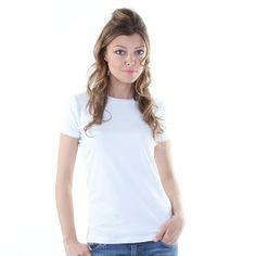 Producător: Calvin Klein Cod produs: CK09 Disponibilitate: În Stoc Tricou Calvin Klein Compozitie: 95% bumbac, 5% elastan Detalii: maneaca scurta, guler rotund, logo imprimat in partea stanga