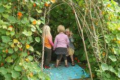 hoekje van natuurlijke materialen voor de kindjes