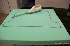 Tracing Foam for New Seat Cushion- artsychicksrule.com #chalkpaintcut foam with electric knife great idea