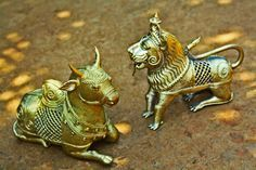 lion-and-bull-dhokra-art-475x317