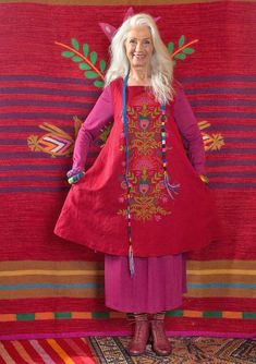 "Gudrun Sjödén Linen / Cotton Tunic ""Froda"" A charming eye-catcher . Look Boho, Bohemian Style, Boho Chic, Mode Russe, Moda Hippie, Charming Eyes, Advanced Style, Boho Fashion, Womens Fashion"