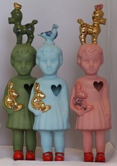 Popje gouden duif #porcelain #clonettedolls #lammersenlammers In collection of…