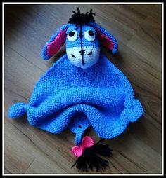 FREE PATTERN WRITTEN IN GERMAN ~ Lovey - blue donkey, found on : http://fannysbuntewelt.blogspot.de/p/hakelanleitung-kuscheltuch-esel.html Site is in German, use translator