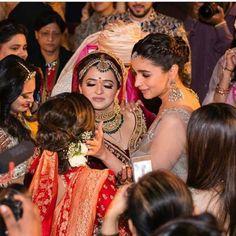Glamour, Girls and Goals – Inside Alia Bhatt's Best Friend's in Jodhpur - Witty Vows Indian Celebrities, Bollywood Celebrities, Bollywood Actress, Bollywood News, Pakistani Bridal Wear, Bridal Lehenga, Red Lehenga, Lehenga Choli, Saree