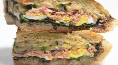 ساندویچ تن ماهى و تخم مرغ