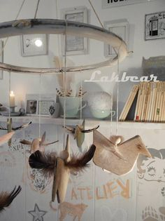 Lakbear has shared 1 photo with you! Diy Recycle, Recycling, Photos, Atelier, Pictures, Upcycle